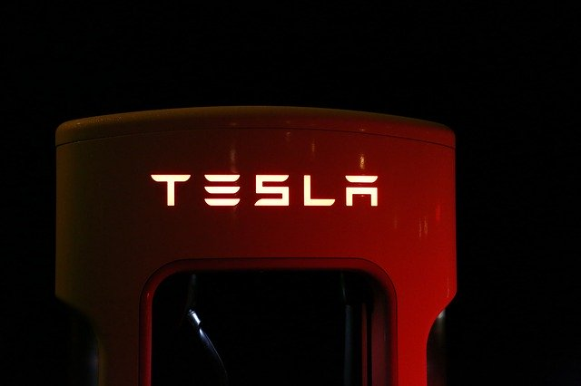 Tesla batéria.jpg