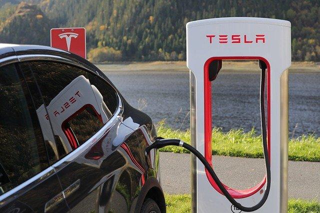 Nabíjacia stanica Tesla.jpg