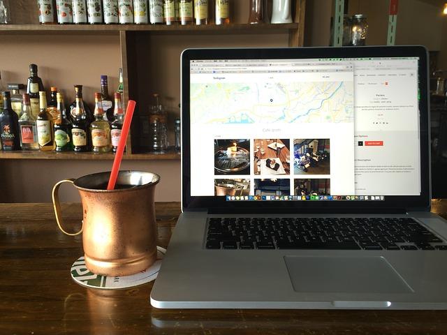 Notebook v kaviarni