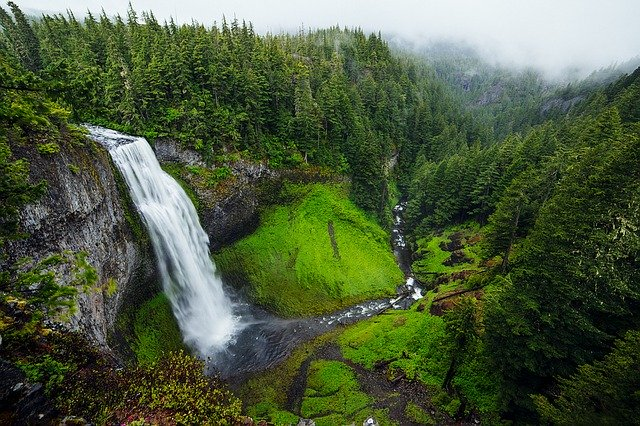 krásny vodopád